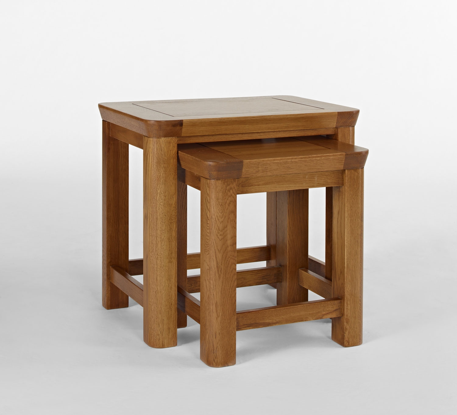 Exceptionnel Kingsbury Solid Oak Nest Of 2 Tables 14645