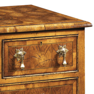 4 Drawer Oyster Chest of Drawers AMC10-17739